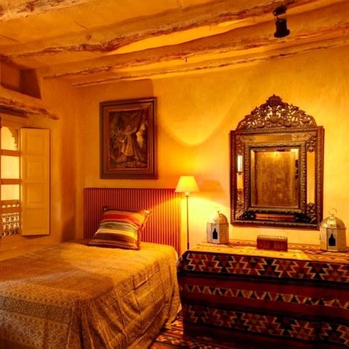 RoyaumeStyleDeco-chambre-marocaine-Taroudant-Debeerst