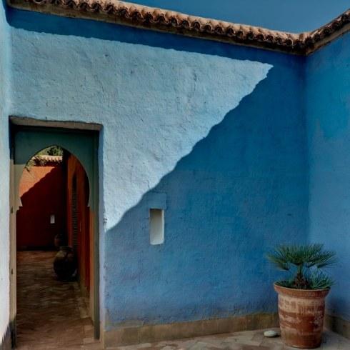 RoyaumeStyleDeco-mur-bleu--Taroudant-Debeerst