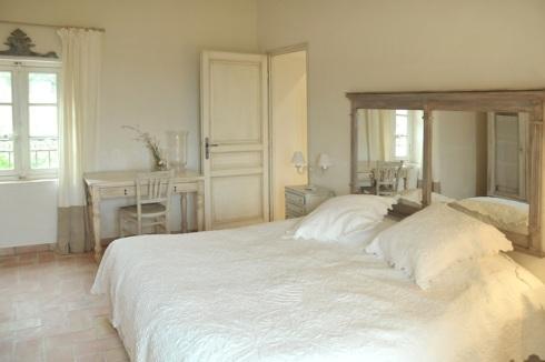 Décoration style provençal, RoyaumeStyleDeco-chambre-double-provençale-Vingot-Mei