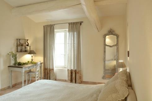 Décoration style provençal, RoyaumeStyleDeco-chambre-double-provençale-N.Vingot-Me