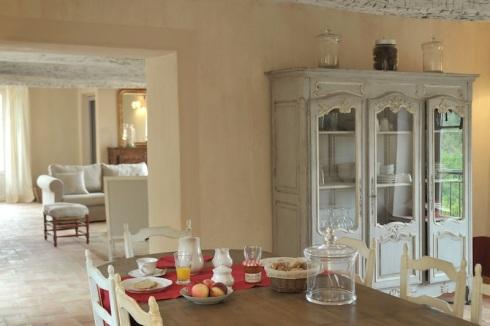 RoyaumeStyleDeco-Salle-manger-table-N.Vingot-Mei