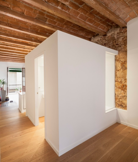 Renovación Les Corts. Sergi Pons Architects. Foto: Adrià Goula