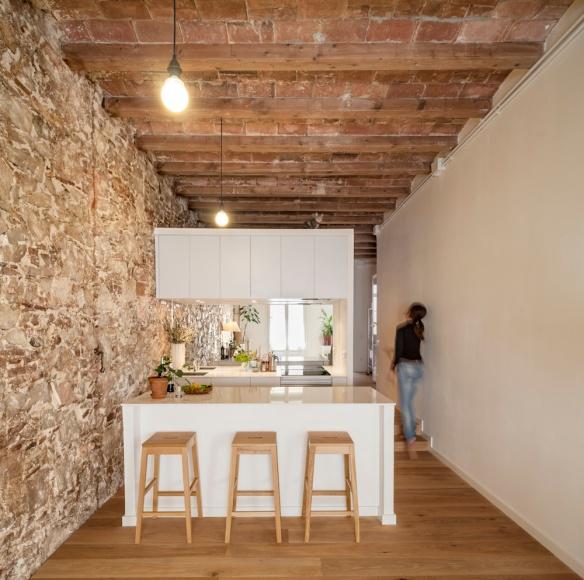 Renovación Piso Les Corts, Cocina. Sergi Pons Architects, Foto: Adrià Goula