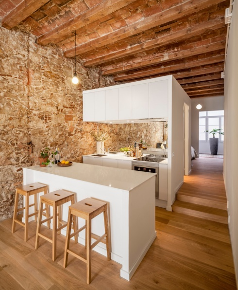 Appartement Les Corts, Vue cuisine, Sergi Pons Architects. Photo. Adrià Goula