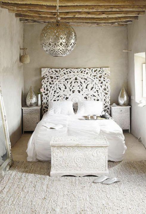 Tête de lit orientale blanche